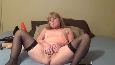 Naughty Cougar Cam tube
